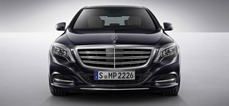Новый «шестисотый» Mercedes-Benz стал экономичнее. Фото